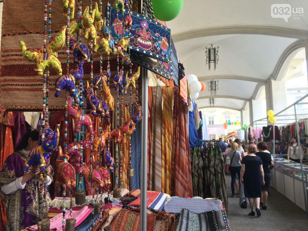 Багато спецій, одягу та прикрас: як у центрі Львова триває індійська виставка-ярмарок (ФОТО+ВІДЕО), фото-3