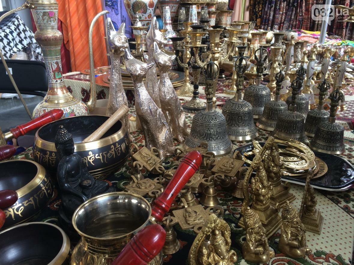 Багато спецій, одягу та прикрас: як у центрі Львова триває індійська виставка-ярмарок (ФОТО+ВІДЕО), фото-4