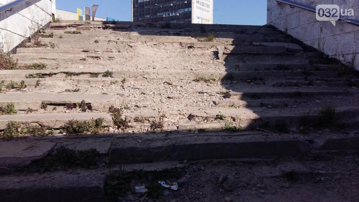 В мерії обіцяють восени відремонтувати аварійний підземний перехід біля ЛАЗу (ФОТО), фото-4, Фото: Андрій Галицький/032.ua