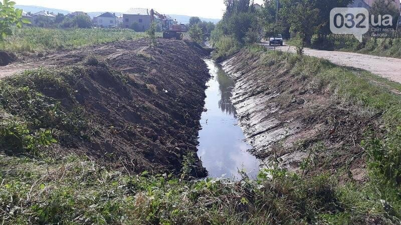 Біля Львова очищають річку, фото-1