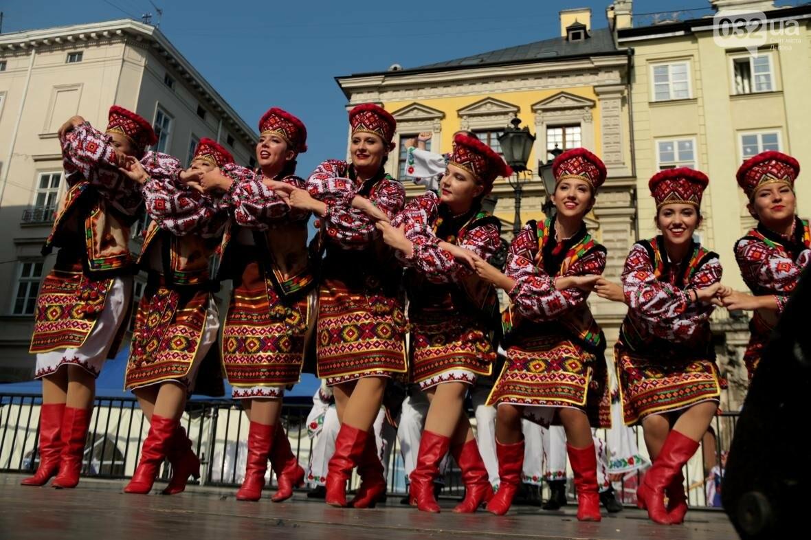 Як у Львові відкрили Міжнародний фестиваль українського танцю та культури: фоторепортаж, фото-10