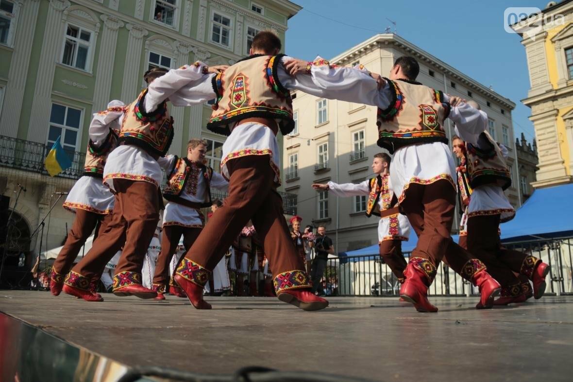 Як у Львові відкрили Міжнародний фестиваль українського танцю та культури: фоторепортаж, фото-6