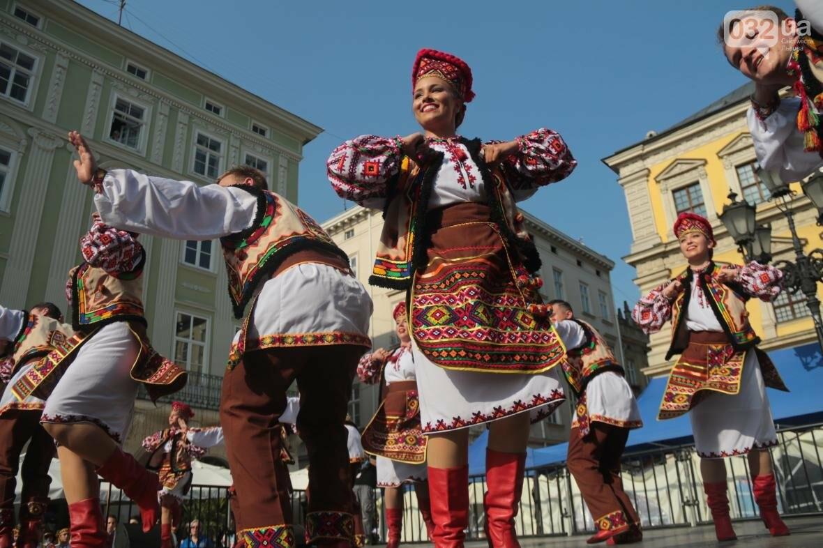 Як у Львові відкрили Міжнародний фестиваль українського танцю та культури: фоторепортаж, фото-8