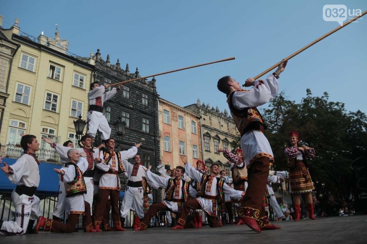 Як у Львові відкрили Міжнародний фестиваль українського танцю та культури: фоторепортаж, фото-2