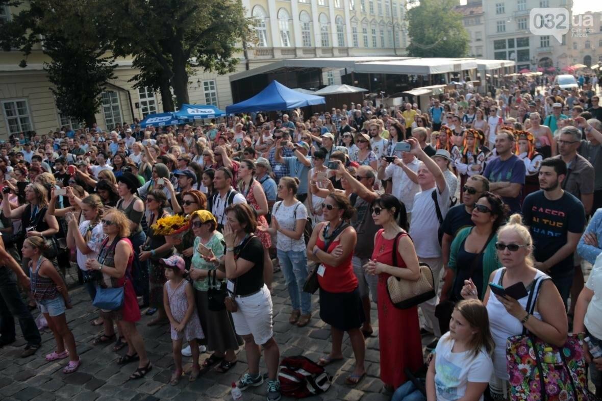 Як у Львові відкрили Міжнародний фестиваль українського танцю та культури: фоторепортаж, фото-9