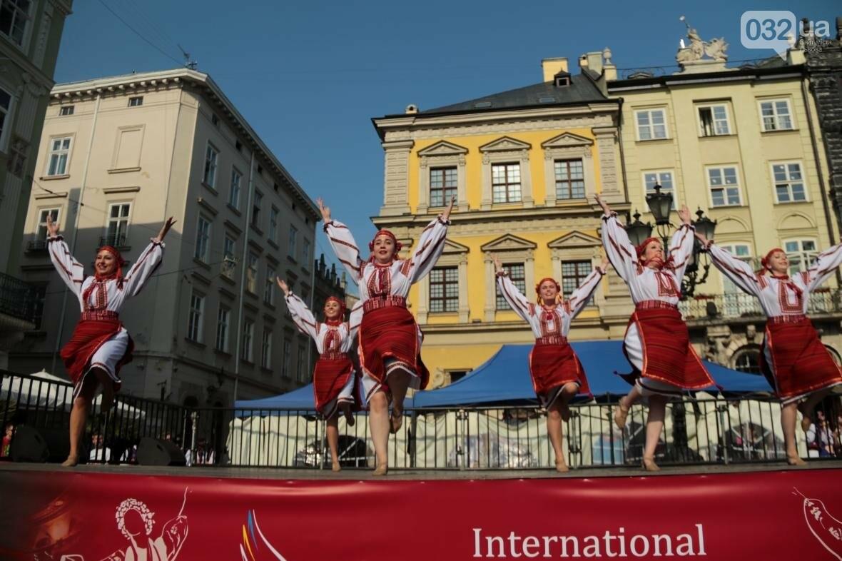 Як у Львові відкрили Міжнародний фестиваль українського танцю та культури: фоторепортаж, фото-4
