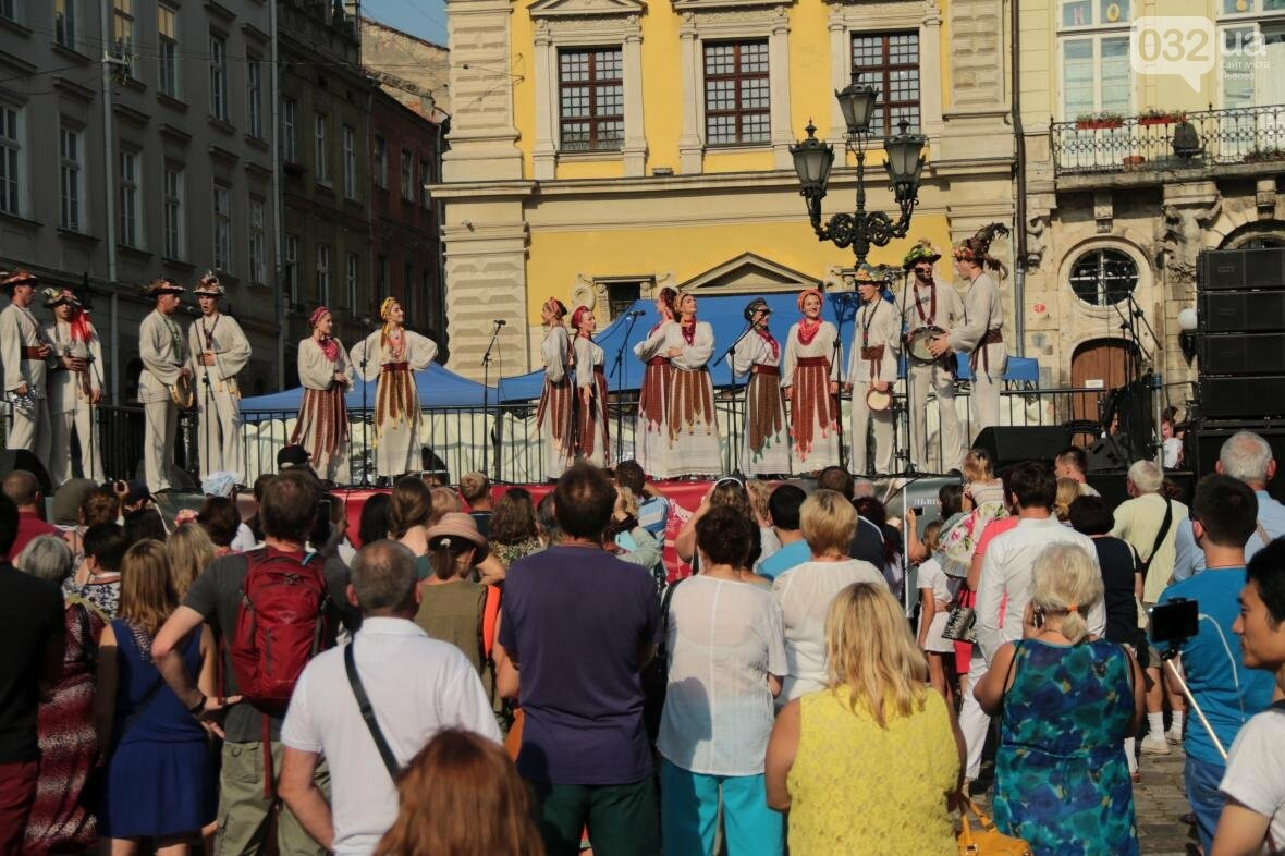 Як у Львові відкрили Міжнародний фестиваль українського танцю та культури: фоторепортаж, фото-11