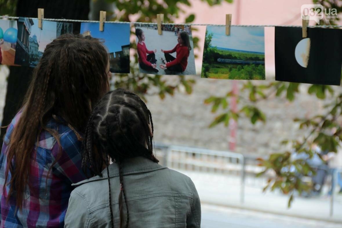 Як у Львові фотографії сушили на мотузках: фоторепортаж, фото-6