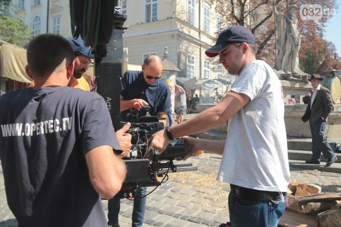 Як у центрі Львова кіно знімають: фоторепортаж , фото-7