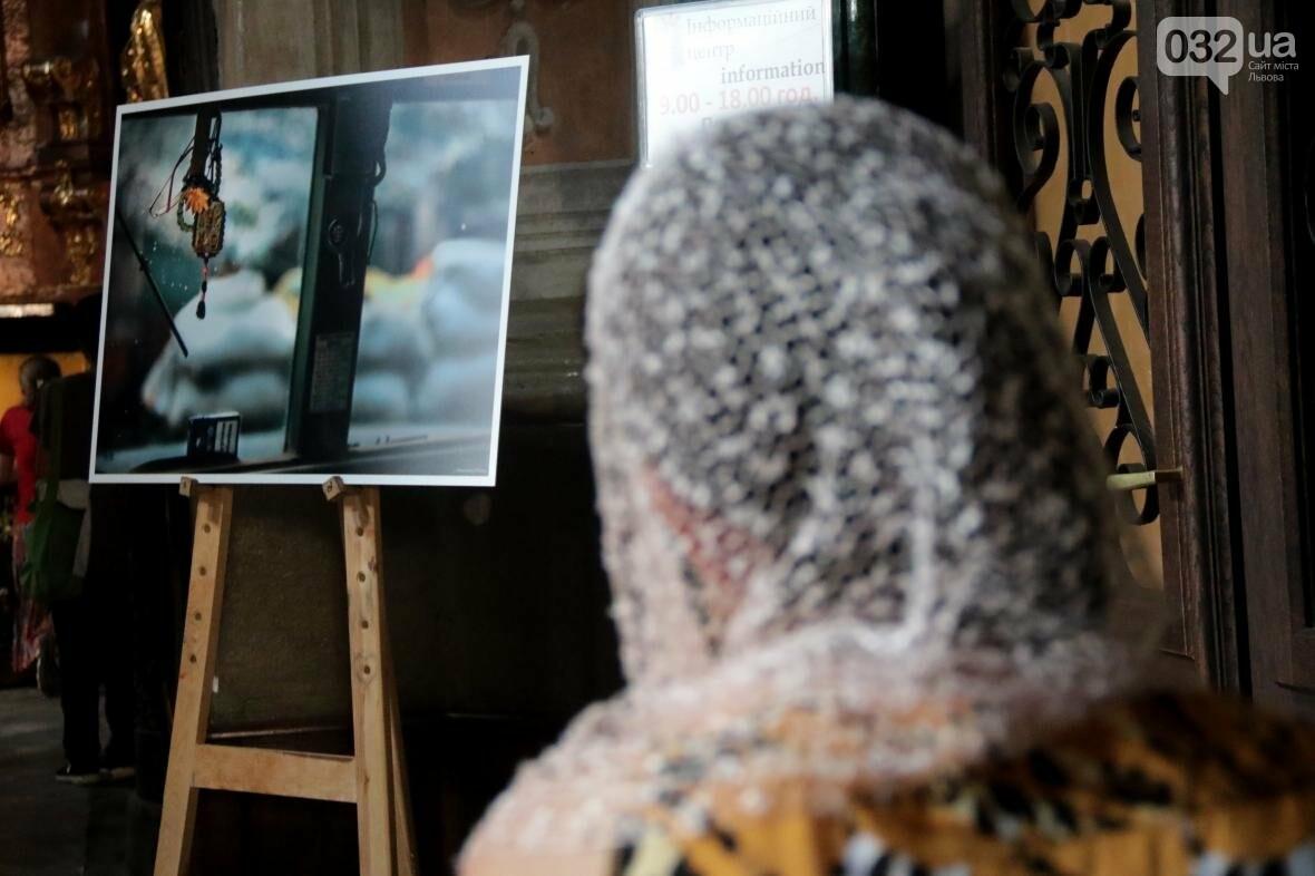 """В Гарнізонному храмі у Львові відкрили фотовиставку """"Коли закінчиться війна"""": фоторепортаж, фото-9, Фото: Назар Юськів"""