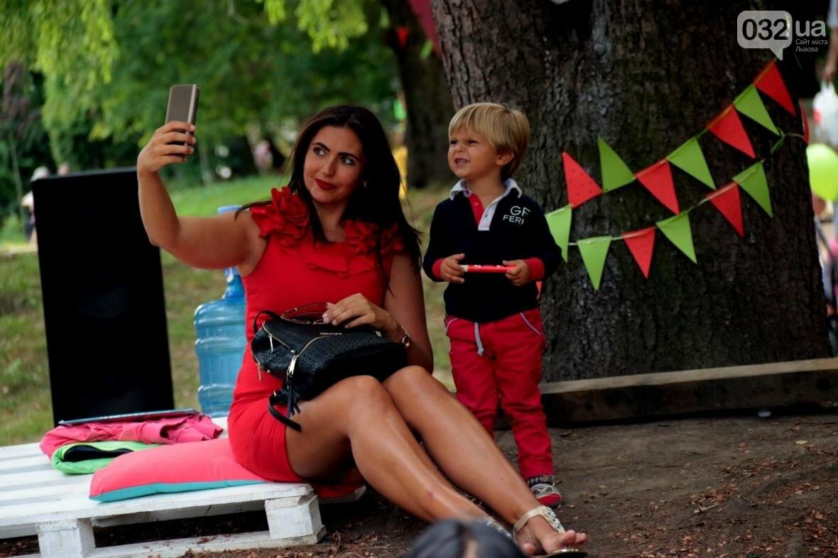 Перегони і поїдання кавунів на швидкість. Як у Львові відбувався фестиваль кавунів: фоторепортаж , фото-8