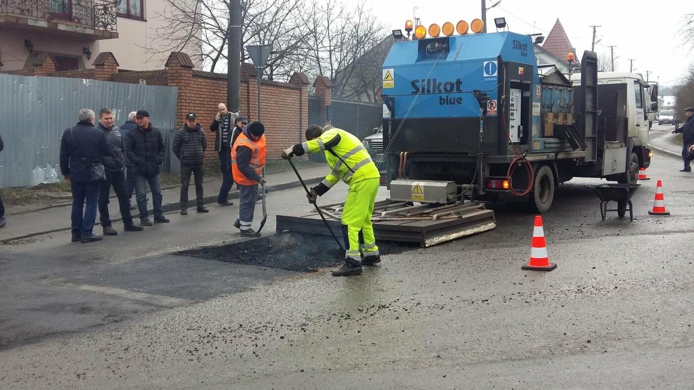 У Львові хочуть ремонтувати дороги за чеськими технологіями: як це виглядає (ВІДЕО), фото-3