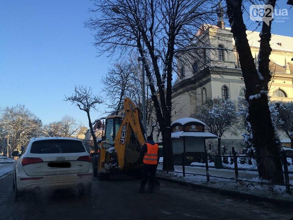 Як у Львові розчищають вулиці від снігу: ситуація на дорогах міста. Фото, фото-2