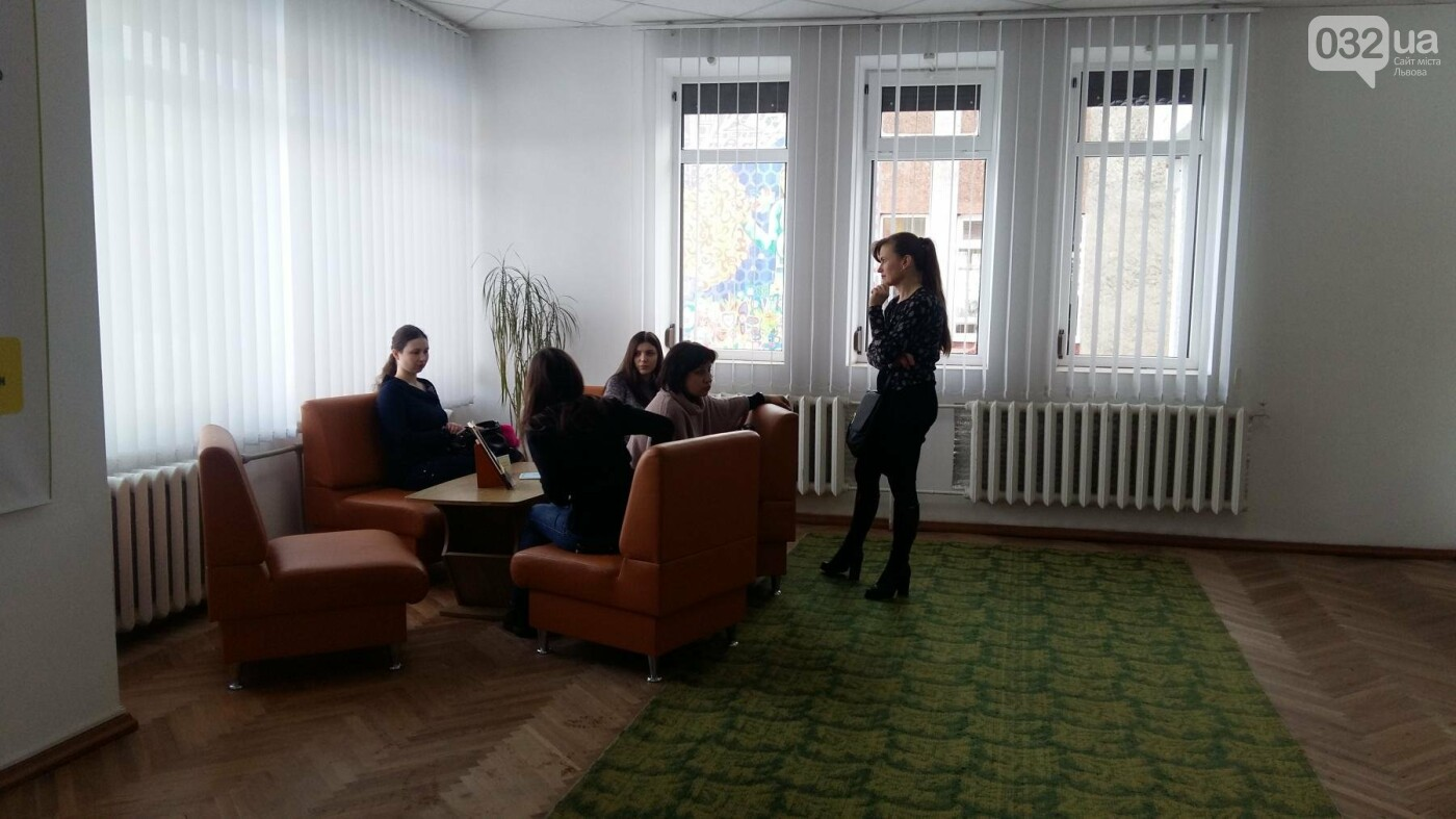 У Львові в розумному районі відкрили першу медіатеку: як це виглядає , фото-3