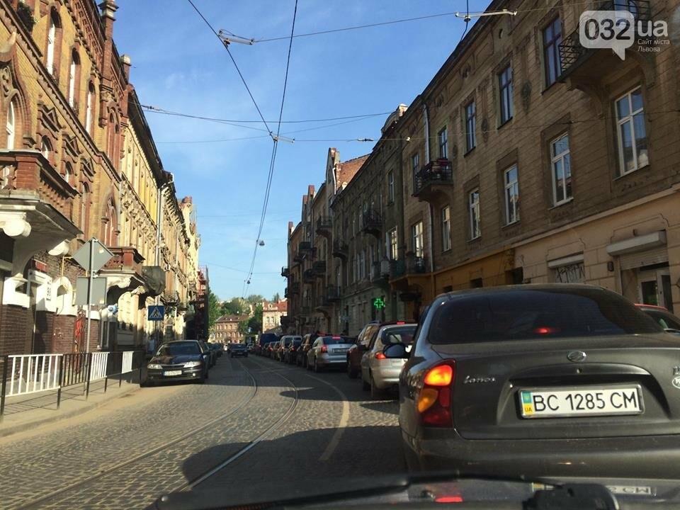 Ситуація на дорогах Львова: затори на Стуса та Івана Франка. Фото, фото-1