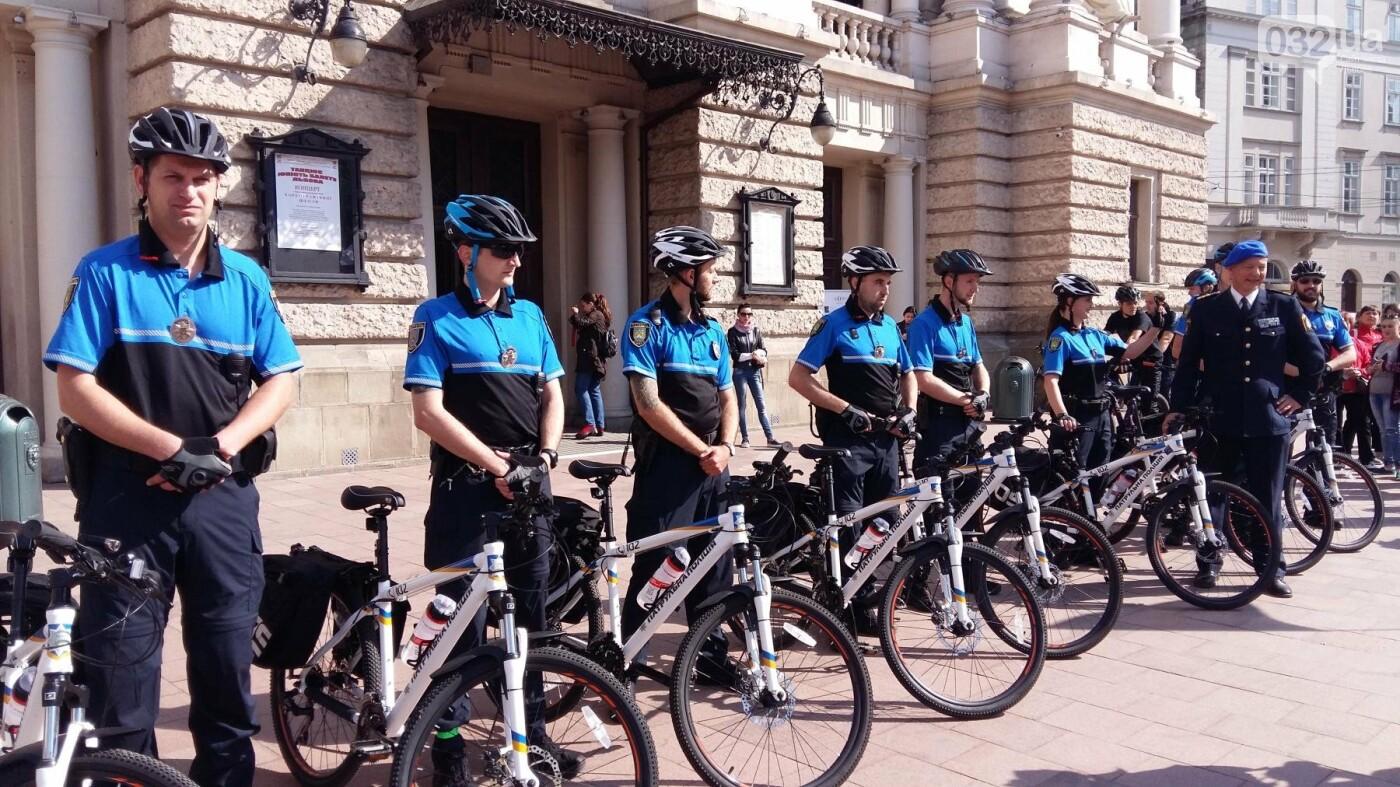 У Львові з'явилися патрульні на велосипедах, - ФОТО, ВІДЕО, фото-3