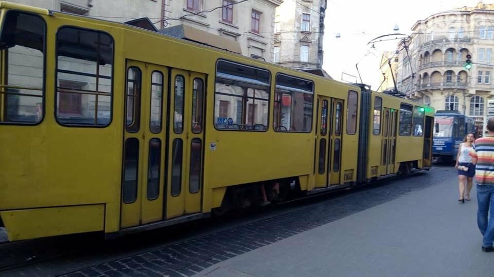 У Львові через ДТП зупинився рух трамваїв, - ФОТО, фото-1