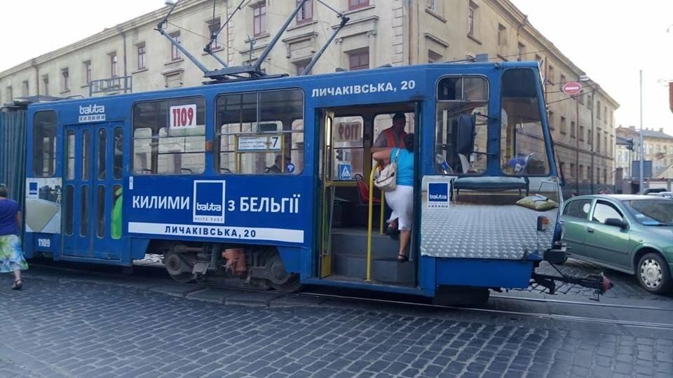 У Львові через ДТП зупинився рух трамваїв, - ФОТО, фото-3