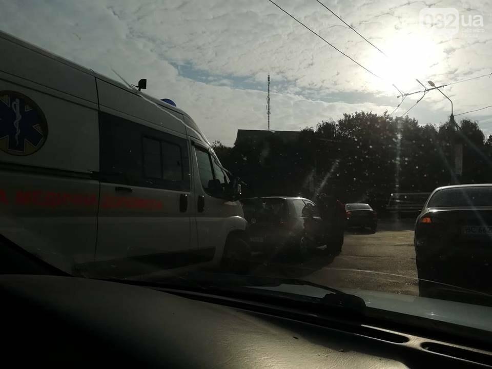 Ситуація на дорогах Львова: затори на Сихівському мосту та ДТП на Зеленій, - ФОТО, фото-4