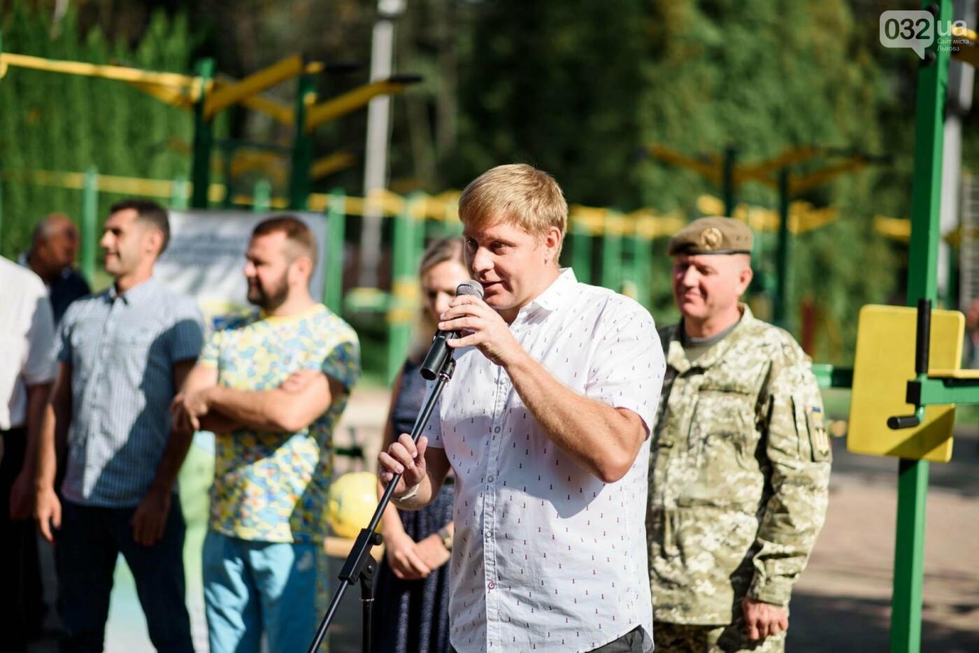 240 студентів Львівщини одночасно підтягнулися на турніках, фото-4