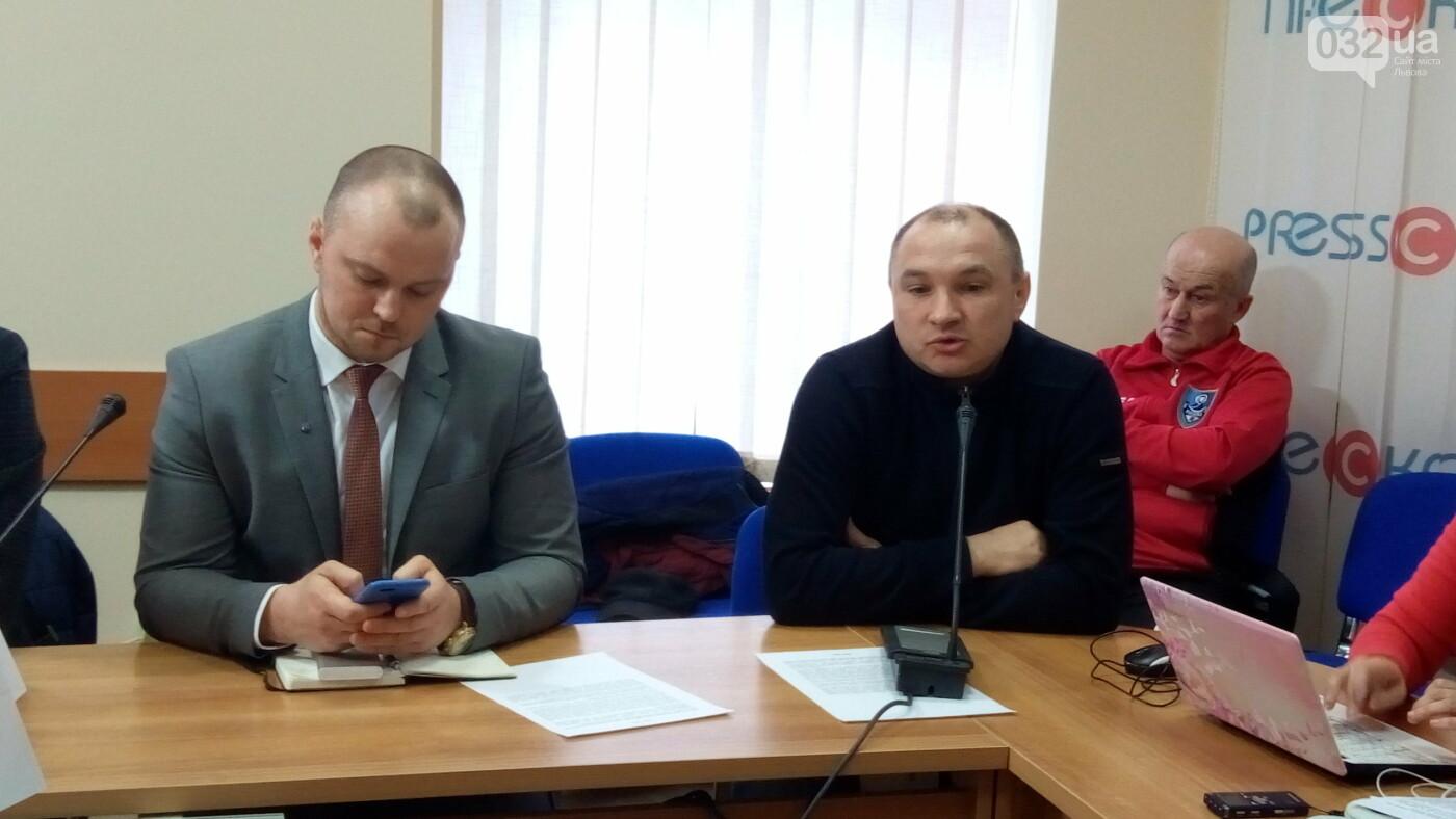 Зліва - Антон Нікулін, справа - Михайло Бокало
