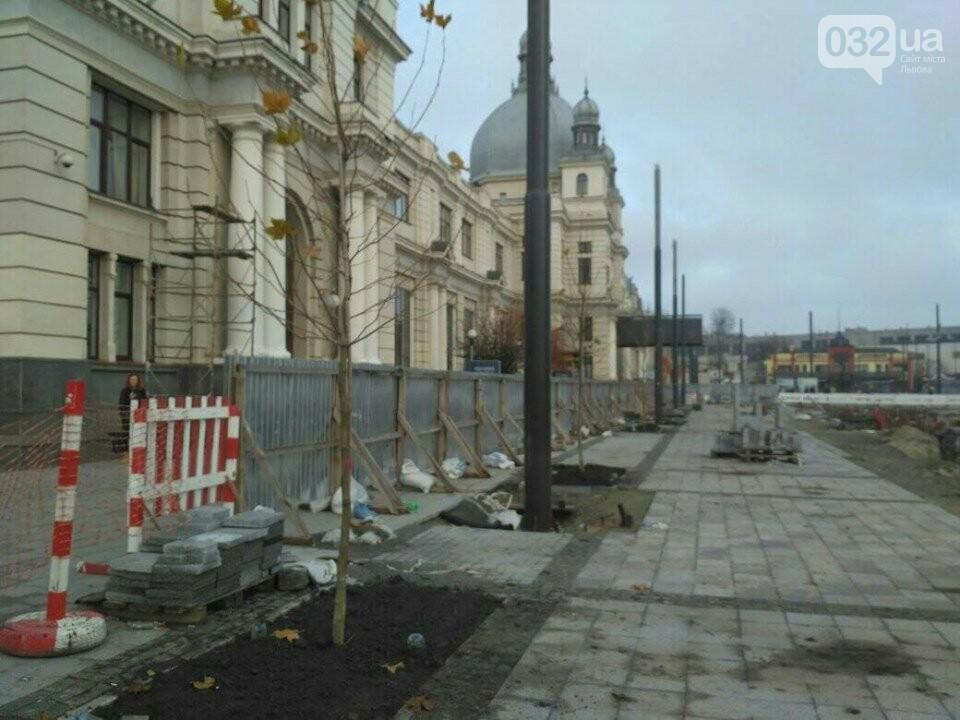 нові дерева на пл. Двірцевій/фото 032.ua