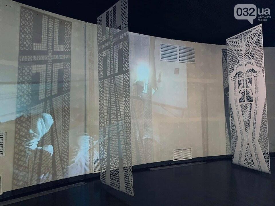 Витинанки в музеї Голодомору, фото надані Дарією Альошкіною