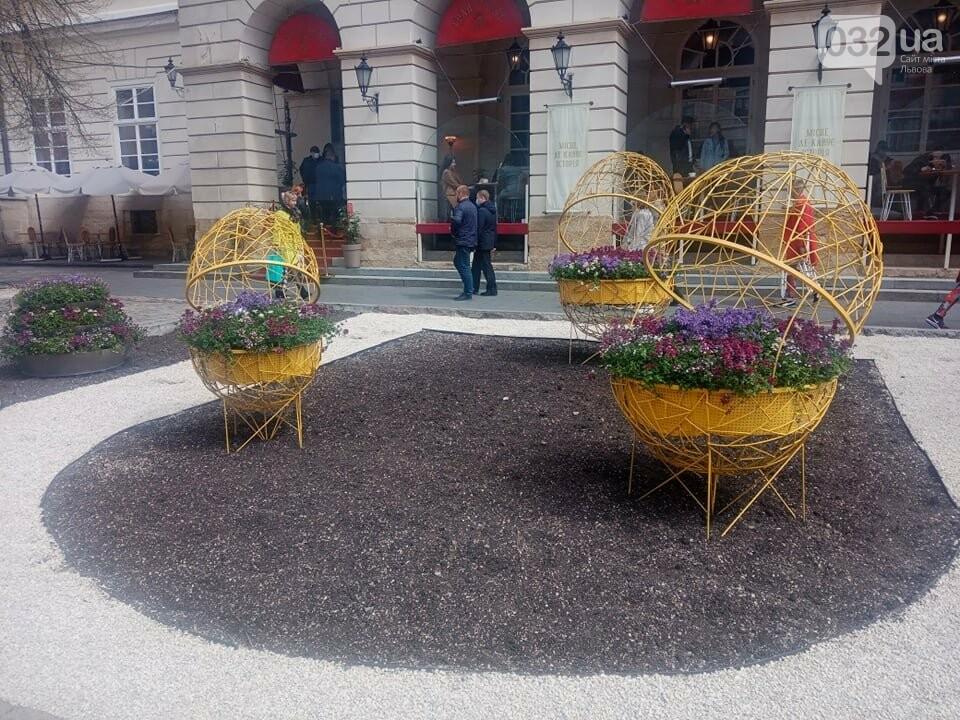 Писанки на площі Ринок, Фото: 032.ua