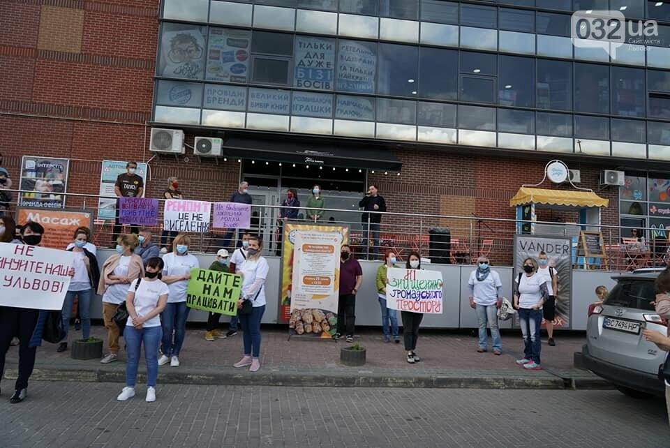 У Львові пройшла акція на підтримку популярного кафе, яке заснували переселенці із Криму, - ФОТО, ВІДЕО, фото-3, Фото: Фейсбук Dasha Balabai