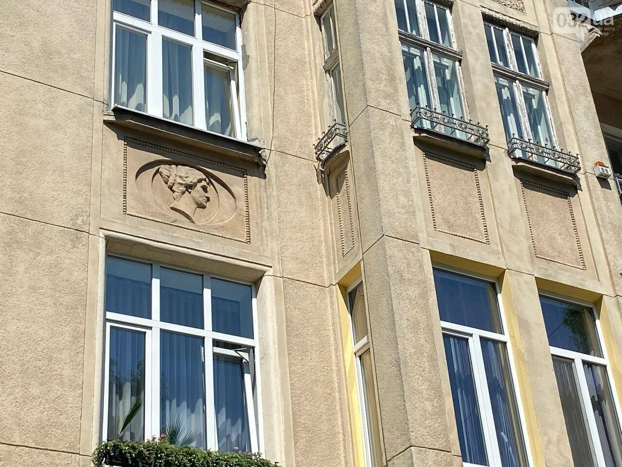 Будівлі на вул. Конопницької, Фото: 032.ua
