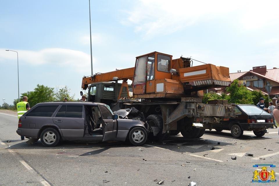 З'явилися фотографії з місця жахливої ДТП, яка сталася на кільцевій дорозі Львова, фото-1