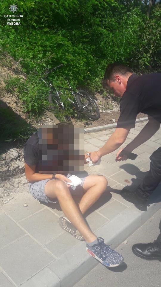 У Львові через спеку 17-річний юнак втратив свідомість. Фото, фото-1