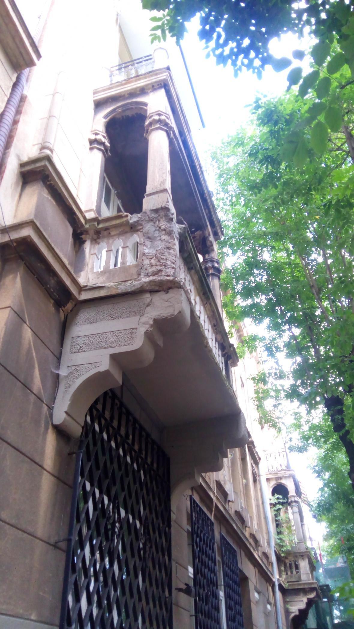 Завдяки зверненню мешканців, відреставрують кілька балконів у центрі міста, фото-3