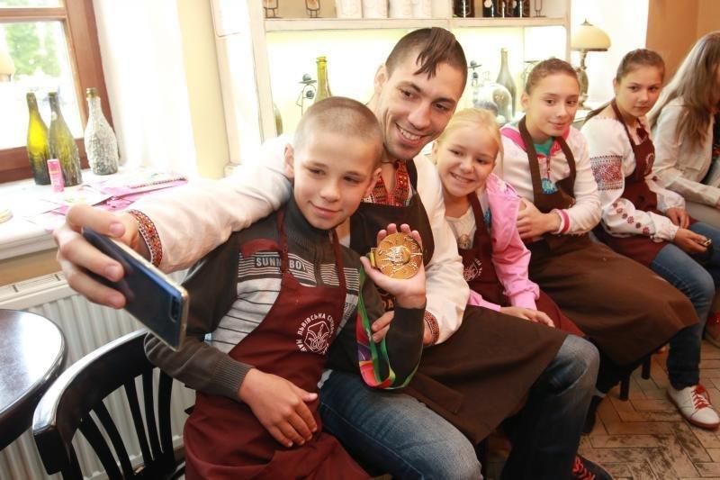 Як маленькі львів'яни снідали із Чемпіоном Всесвітніх ігор 2017: фоторепортаж, фото-7