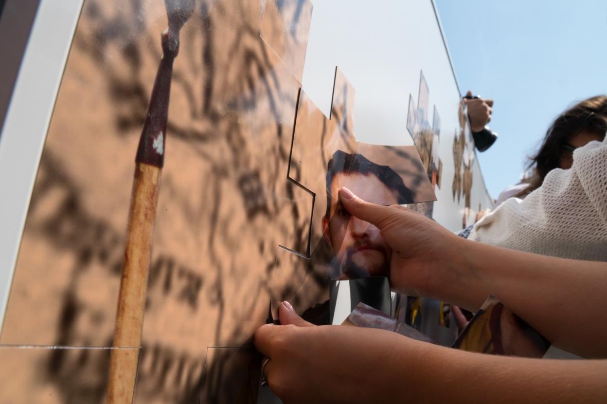 Як у центрі Львова створювали велике панно на історичну тематику: фоторепортаж, фото-1