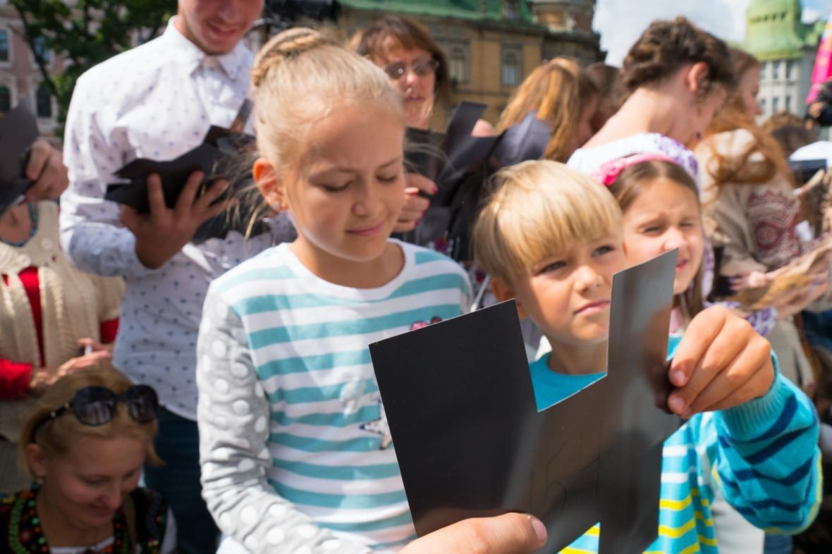 Як у центрі Львова створювали велике панно на історичну тематику: фоторепортаж, фото-2