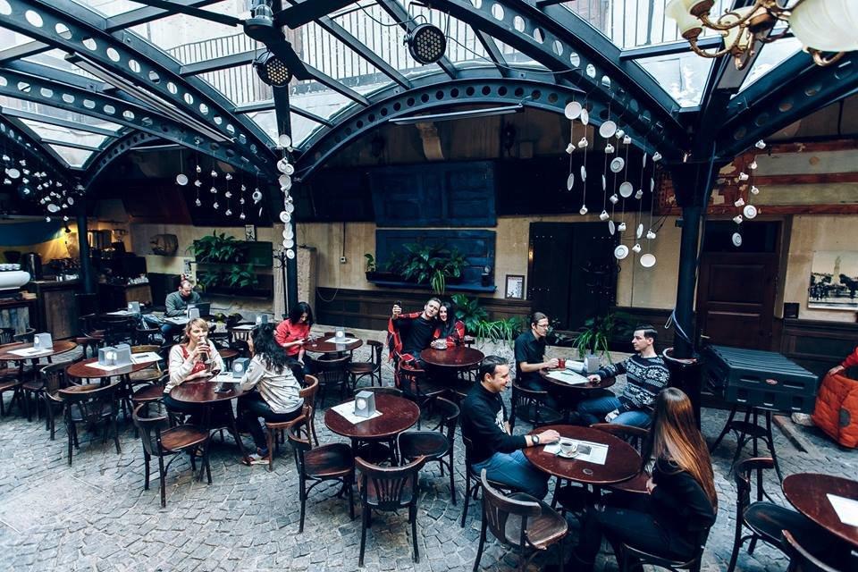 7 ресторанів Львова з живою музикою, фото-4, Фото: Львівська копальня кави/Facebook.com