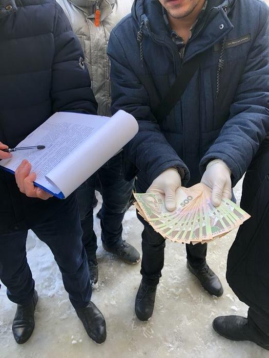 Голову Дублянської ОТГ затримали під час одержання хабара. Опубліковано фото та відео з місця події, фото-2
