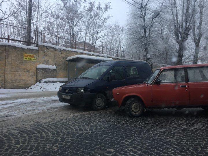 Ситуація на дорогах Львова: які вулиці зараз краще оминати, фото-1