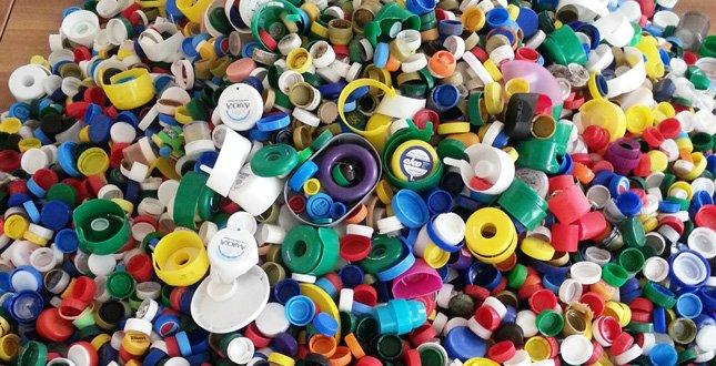 Пластикові кришечки. Дрібниця, яка нічого не варта. Але багато змінює…