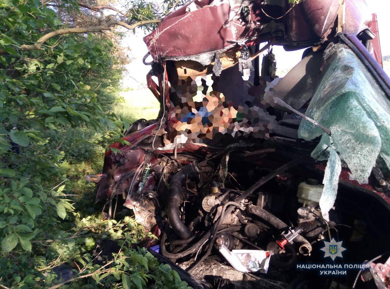 З'явились фото з місця ДТП на Львівщині, де загинуло шестеро людей, фото-2