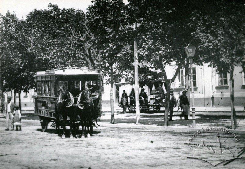 Третій функціонував лише влітку. Вартість проїзду становила від 3 до 12  центів. Повністю перестали використовувати такий транспорт у 1900 році. ce4dc5447d4a6