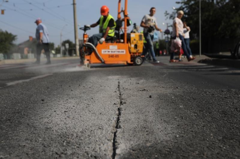 У Львові на вулиці Княгині Ольги вперше використали нову технологію ремонту дороги, фото-1, Фото: ЛМР