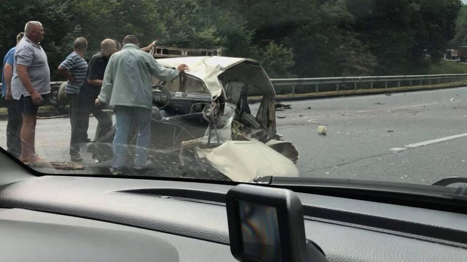 Поблизу Львова сталося моторошне зіткнення двох автомобілів: є постраждалі, - ФОТО, фото-3, Фото: Варта-1/facebook