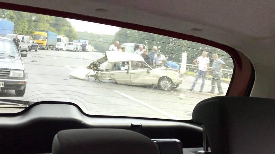 Поблизу Львова сталося моторошне зіткнення двох автомобілів: є постраждалі, - ФОТО, фото-4, Фото: Варта-1/facebook