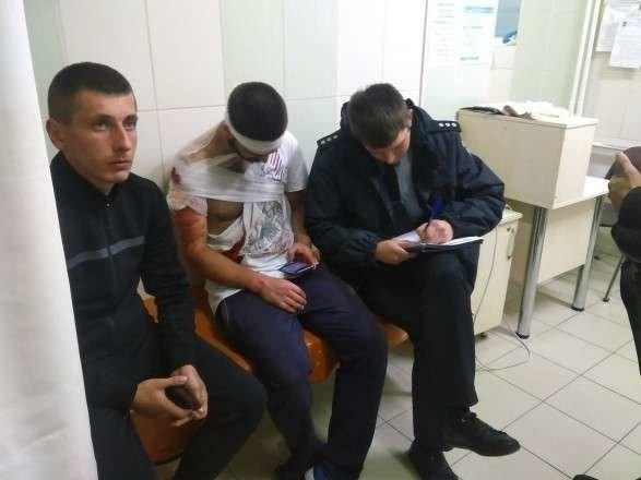 У Львові після сутичок поблизу цирку з ножовими пораненнями госпіталізували 4 людей, фото-1