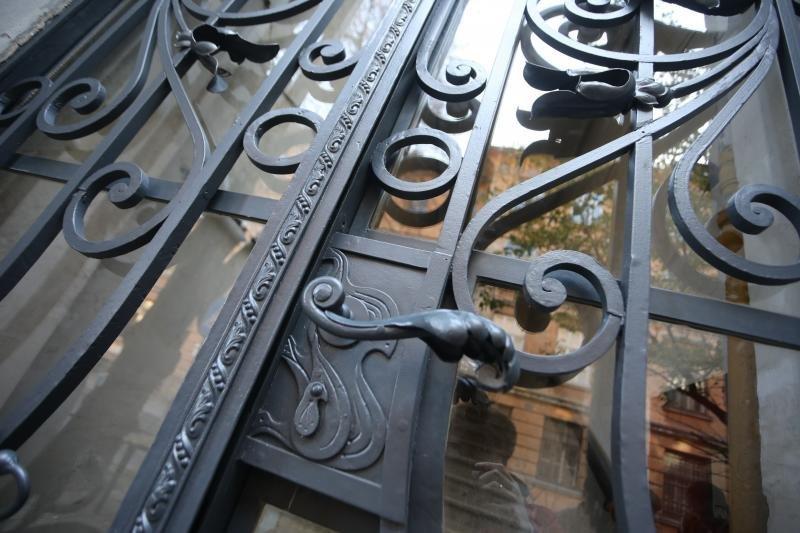 У Львові відреставрували металеву браму на вулиці Лисенка, - ФОТО, фото-2, Фото: ЛМР