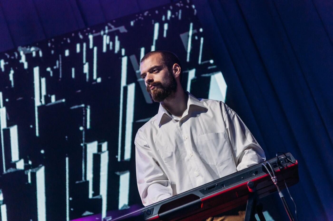 """Вокалістка гурту """"Troye Zillia"""" - про пісню зі звуками космосу, концерт у темряві та попит на сучасну бандуру, фото-6"""