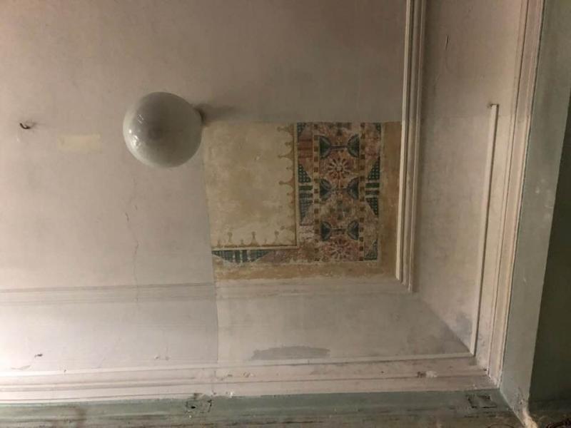 У будівлі 1-ї міської поліклініки Львова виявили унікальний стінопис, фото-1