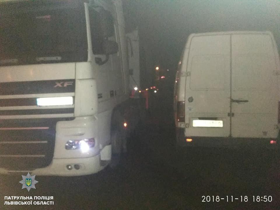 У Львові виявили автомобільний заправний комплекс без документів, - ФОТО, фото-1